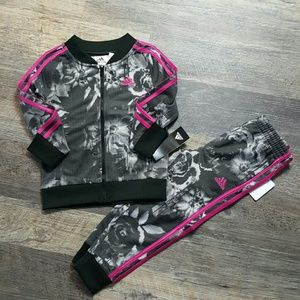 Adidas kids girls 2 piece set Tracksuit New